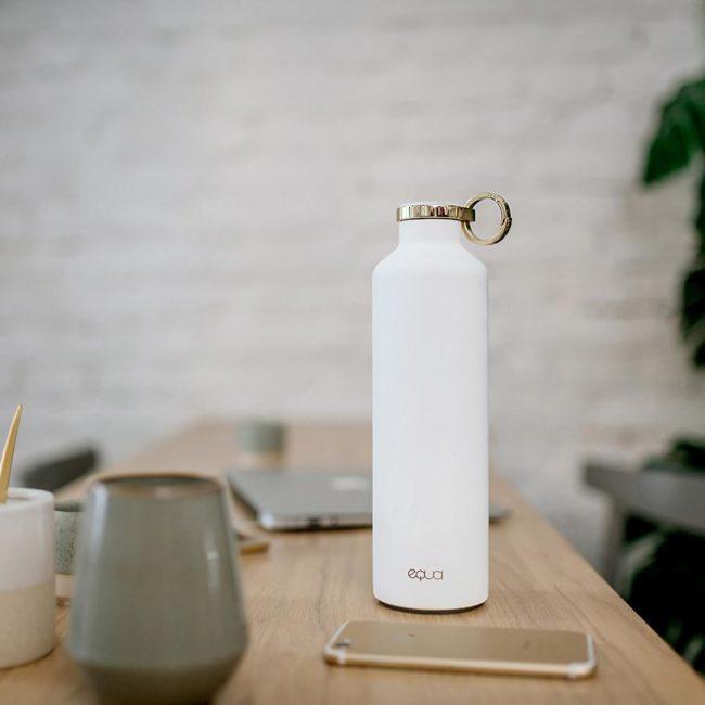 Equa slovinská značka ekologické skleněné lahve na vodu