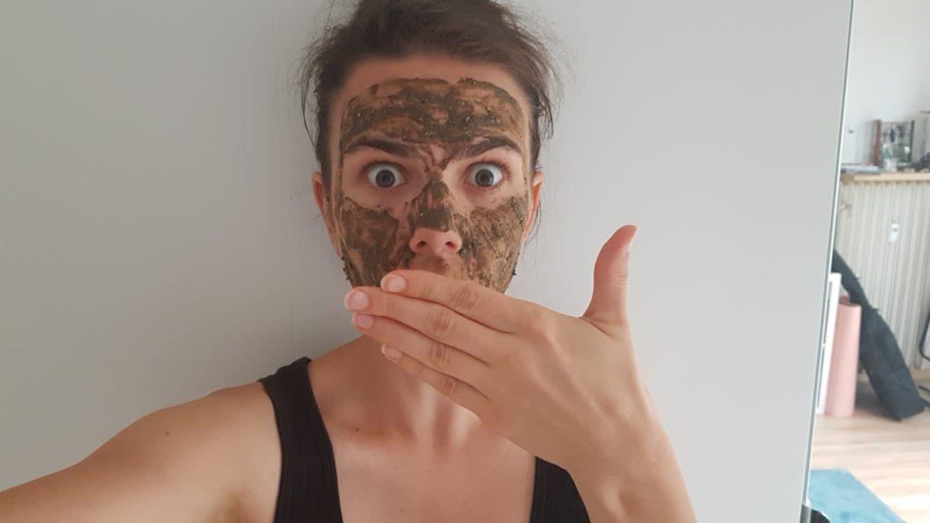 Čistící maska Znovuzrození je ideálním doplňkem v péči o problematickou pleť